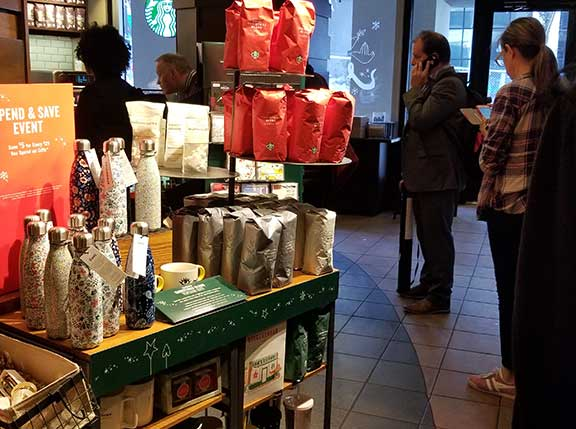 Long line at Starbucks between lectures!